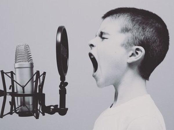 アパートでいつも歌ってるんだが、隣の部屋の人に歌声って聞こえるの?