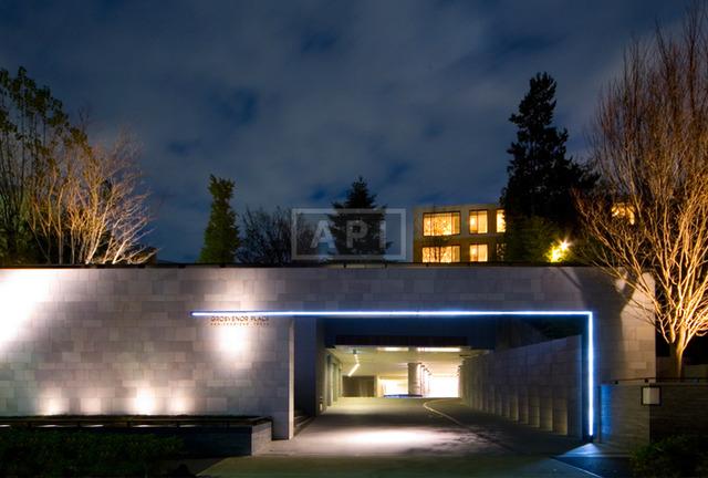 【画像】最高家賃350万円の超高級マンション「グロブナープレイス神園町」が凄すぎワロタwwwwwwwwww